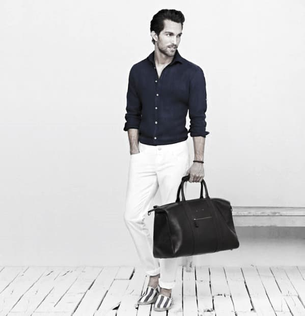 What To Wear With White Jeans For Men 21