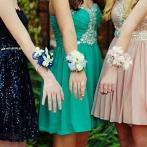 How To Choose A Prom Dress Guide