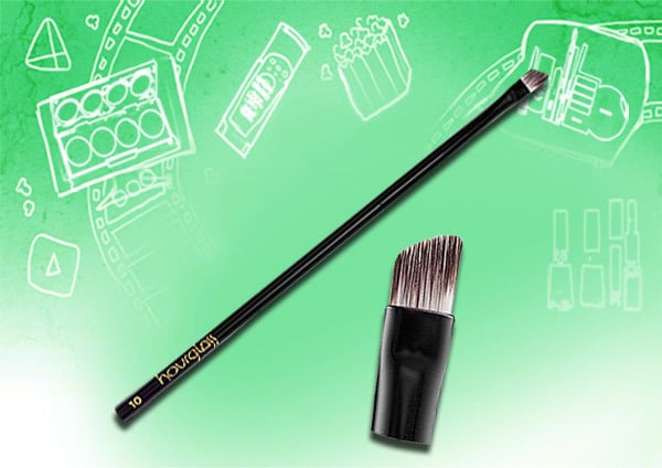 Eyeliner Brushes Types and Uses - Flat Angled Tip Brush