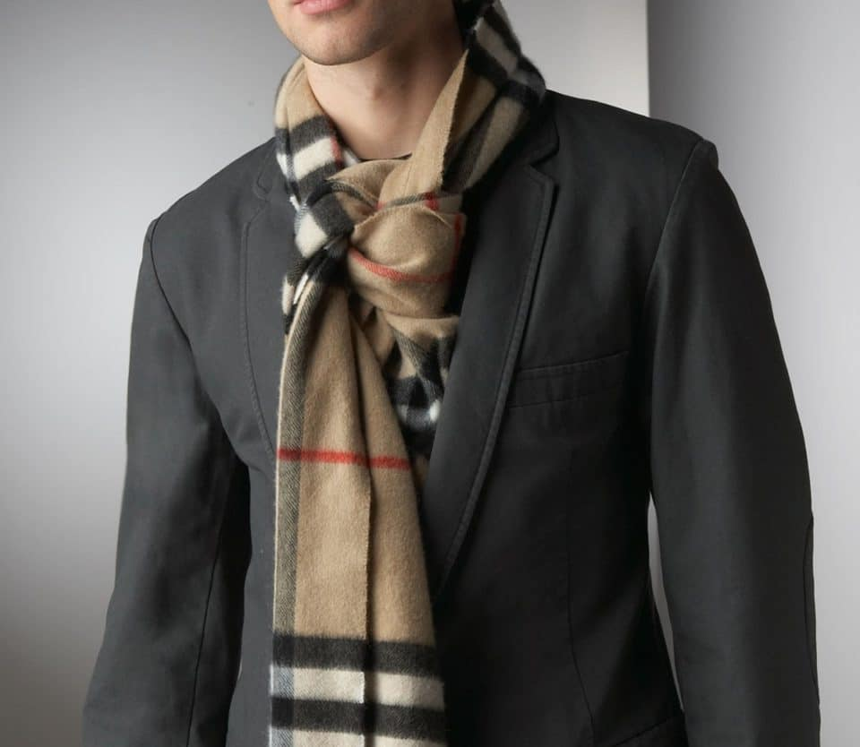 A Man Guide on How to Wear a Scarf - False Knot