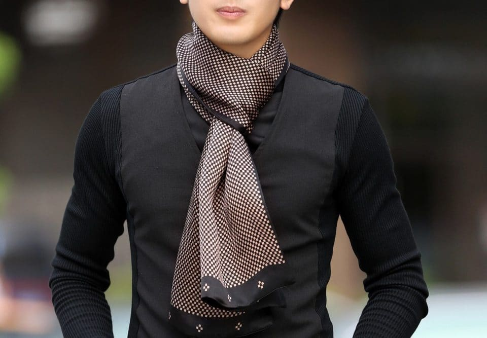 A Man Guide on How to Wear a Scarf - Favor the Right Fabrics