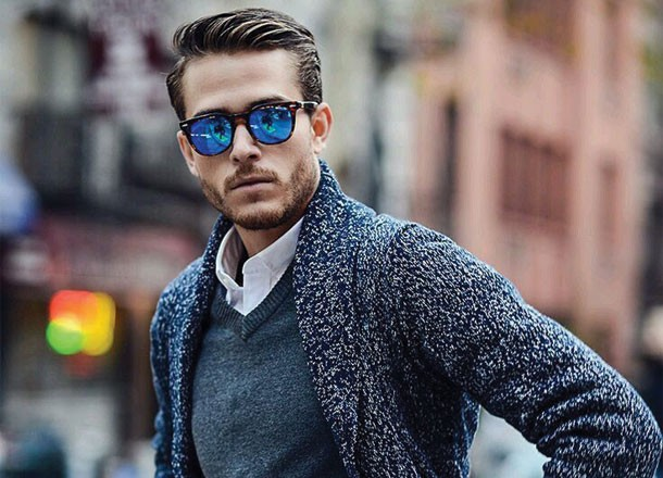 6 Ways on How To Wear Smart Casual Sweaters - 2 The V-Neck