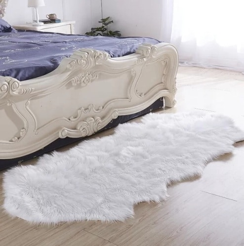 Haywards Luxury Hand-Tufted Faux Fur White Area Rug