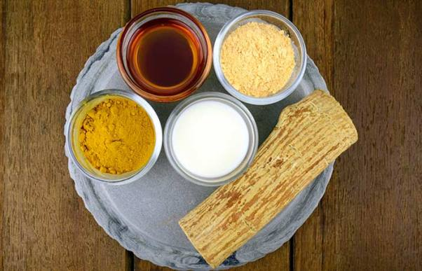 1.-Cream-Gram-Flour-And-Turmeric-Pack
