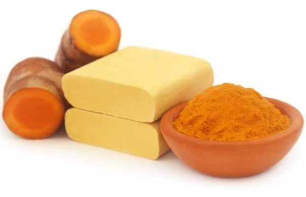 6.-Sandalwood-Turmeric-And-Camphor-Face-Pack