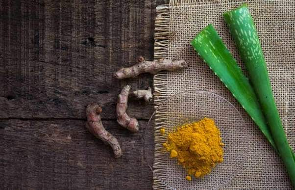 7.-Aloe-Vera-And-Turmeric-Pack