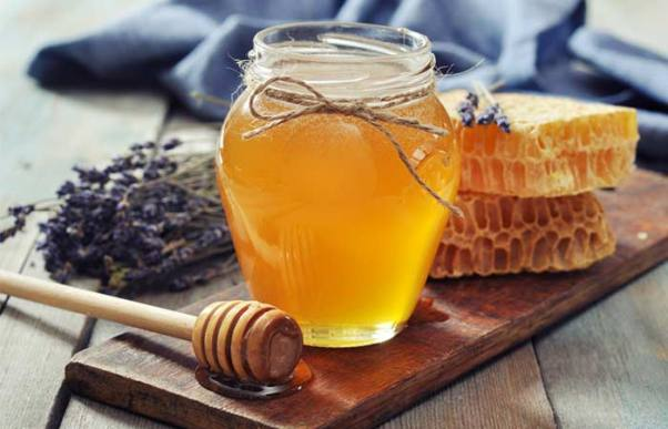 7.-Sandalwood-And-Honey-Face-Pack