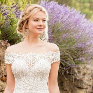 Best Casual Wedding Dresses For Cheerful Brides