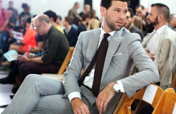 what-to-wear-with-a-grey-blazer-men-in-grey-suit