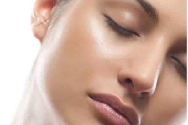 8 Products To Get Rid of Excess Shine In Oily Skin
