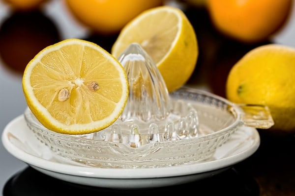Remove Red Spots On The Skin - Lemon Juice