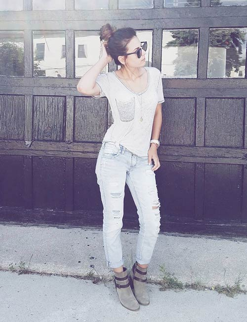 Distressed Boyfriend Jeans With A Plain Top
