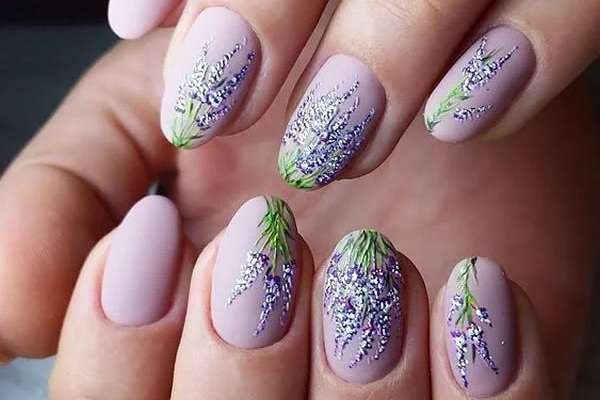 20 Trending Round Nail Designs To Copy