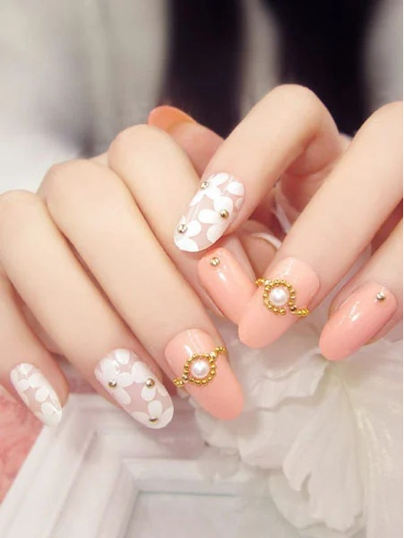 Cute Floral Nail Art with Gold Detail