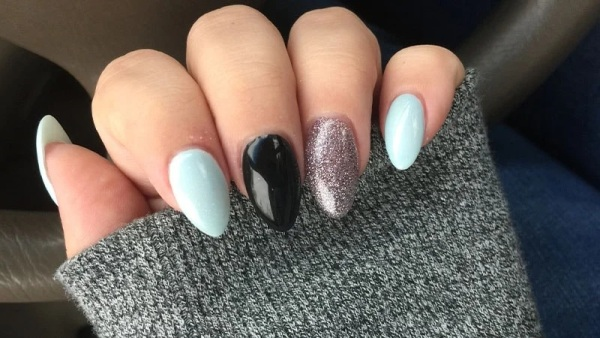 Almond Shaped Accent Nails