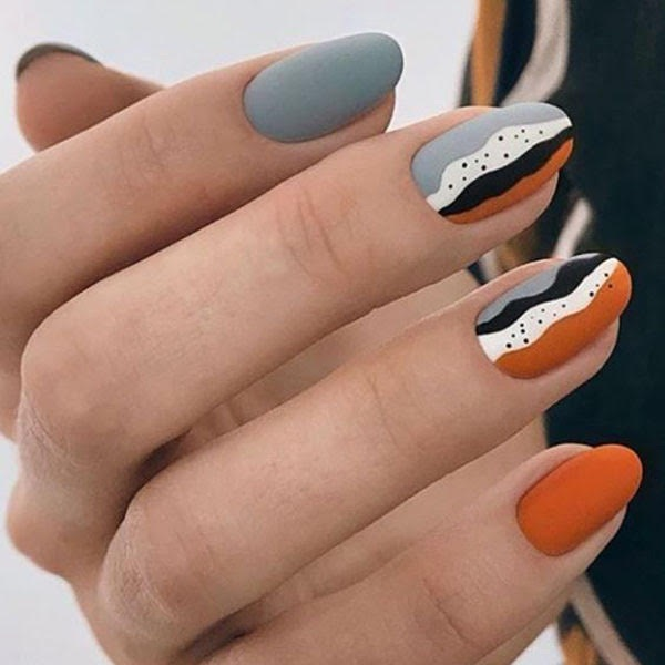 Feature Round Nails