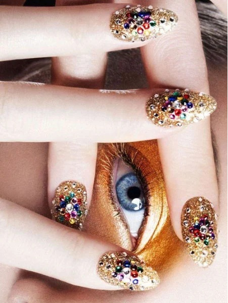 Glitter with Jewels