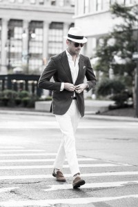 What To Wear With White Jeans For Men 13