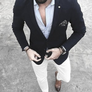 What To Wear With White Jeans For Men 17