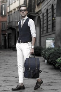 What To Wear With White Jeans For Men 22