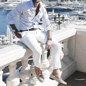 What To Wear With White Jeans For Men 5